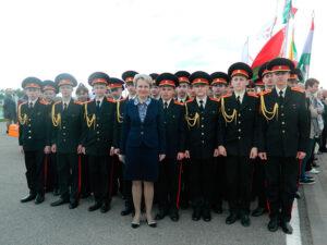 Начальник управления образования Казак Г.Н. с кадетами